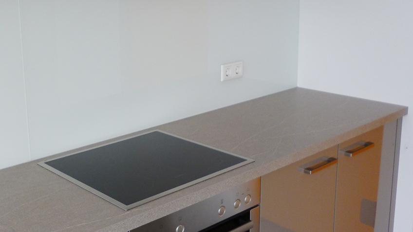 Küchenrückwand weiß lackiert